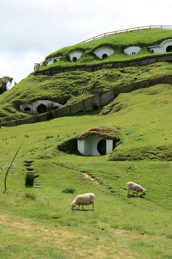 29-hobbit-underground-house3