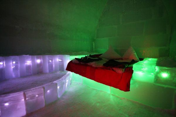 Romania-balea-lake-ice-hotel7