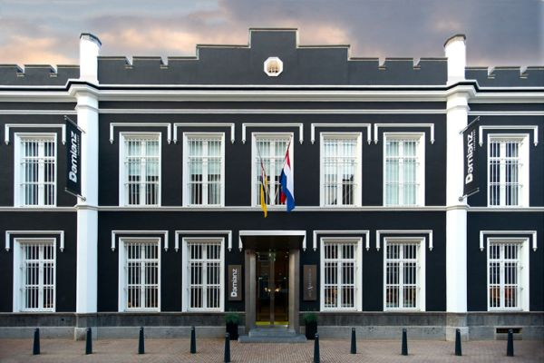 historic-jail-transformed-into-luxury-hotel