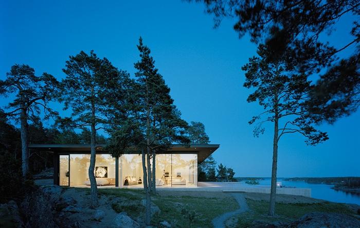 Modern-Lake-House-Exterior-1