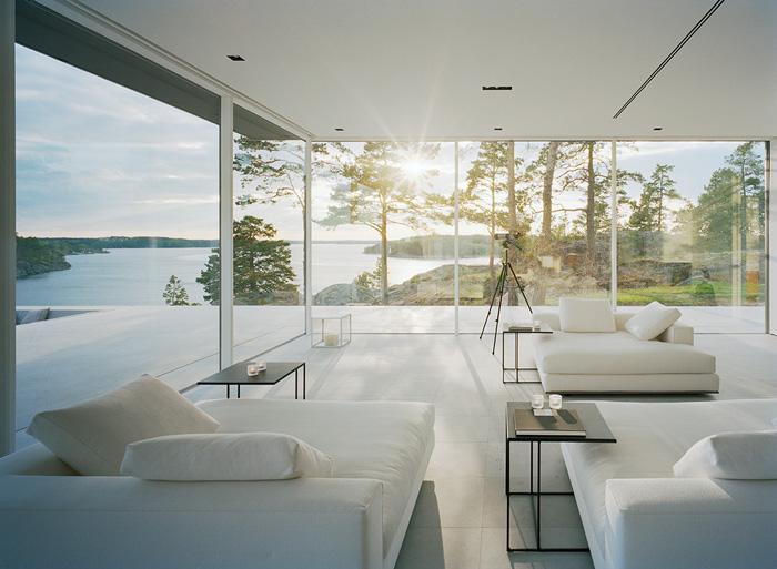 Modern-Lake-House-Living-Room-2
