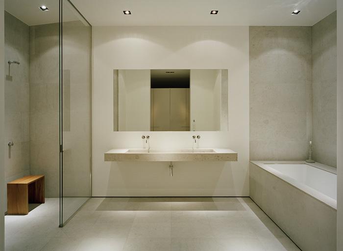 Modern-Lake-House-Master-Bathroom-1
