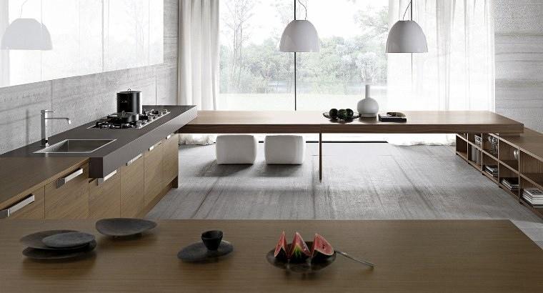 huge-sunny-kitchen