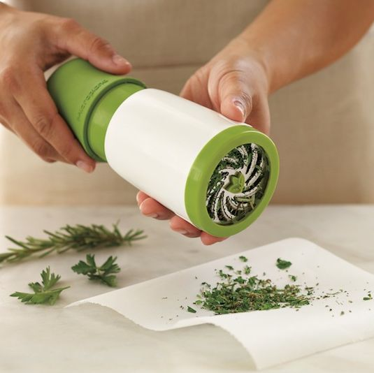 50-Useful-Kitchen-Gadgets-You-Didnt-Know-Existed-herb-mill